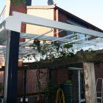 Terrassendach mit Weinranken